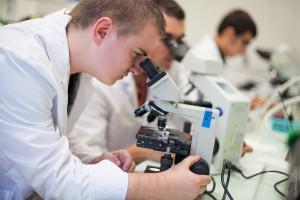 Élève de biologie Lycée La Forbine
